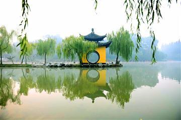 扬州瘦西湖、大明寺、何园、镇江西津古渡二日游