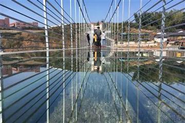 山水磐安 首座玻璃桥 舞龙峡 乌石村观光一日游