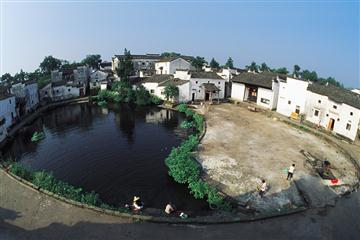 兰溪诸葛八卦村、地下长河、百里赏荷、金华双龙洞纯玩二日游