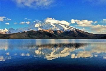 赛里木湖、那拉提、薰衣草庄园、巴音布鲁克、吐鲁番、天山天池双飞8日游