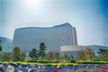 (11.14/24)太湖龙之梦乐园、图影湿地、《梦幻钻石》超级秀、宿钻石酒店奢华度假二日游